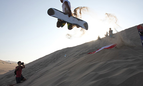 sandboarding-in-morning-desert-safari-dubai