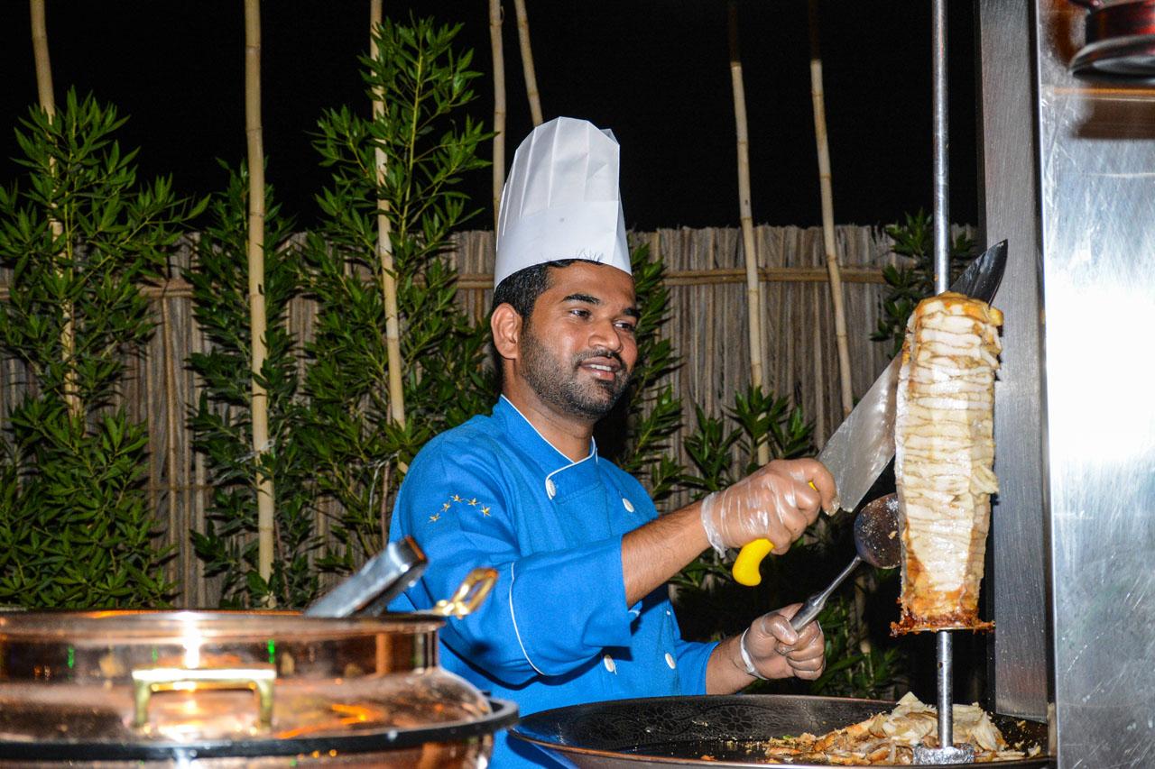 food in dubai desert